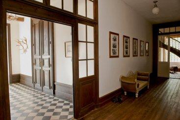 Le hall d'entrée au rez-de-chaussé